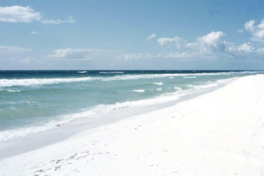 Pensacola_Beach_1957_White_Sand