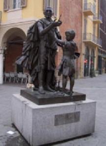 Stradivari_statue_cremona