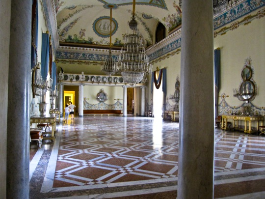 Napoli_-_Museo_di_Capodimonte_(salone_da_ballo)