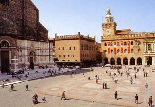 Bologna's Piazza Maggiore