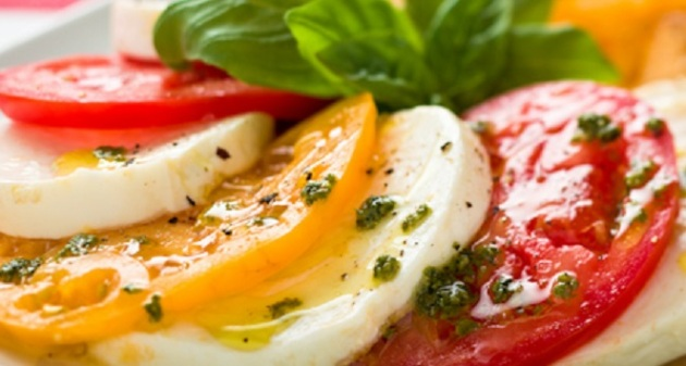 Caprese Salad with Red and Yellow Tomatoes and Buffalo Mozarella