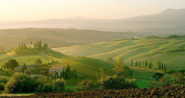 tuscany-dawn-tuscany_italy_3_1024x1024