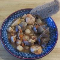 Italian American Seafood Stew (Cioppino)